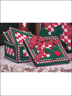 Christmas Checks Coaster and Holder Set Plastic Canvas