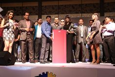 Bollywood stars dazzle at awards night by Kamdhenu paints