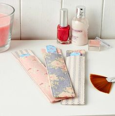 These nail file holders are super simple to stitch! (Sew magazine, issue 65)