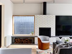 Image 12 of 18 from gallery of Sandringham House / Techne Architecture+Interior Design + Doherty Design Studio. Photograph by Derek Swalwell Home, House Inspiration, Melbourne House, House Design, Fireplace Design, Cozy House, Interior, Modern Living Room Interior, Interior Architecture Design