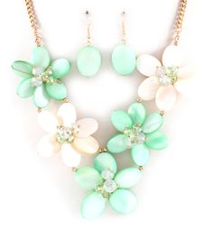 Pretty floral necklace & earrings in mint and ivory.