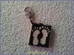 P250813_10 Peyote Patterns, Beading Patterns, Seed Bead Earrings, Seed Beads, Diy Jewelry, Jewelery, Beaded Brooch, Beaded Bags, Peyote Stitch