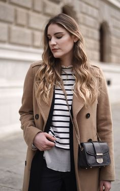 7 Ways To Wear: Layering - Glittery Peonies Trends, What To Wear, Layers, Stripes, Women's Fashion, Street Style, Beige, My Style, Coat