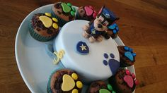 Paw Patrol pie – un chiaro caso per Chase! Paw Patrol Party, Paw Patrol Birthday Cake, Paw Patrol Cake, Funny Birthday Cakes, Cupcake Birthday Cake, Cupcake Cakes, 2nd Birthday, Easy Smoothie Recipes, Easy Smoothies