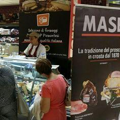 #CarrefourTorino. Masè è entrata da Carrefour anche a Torino! Clicca il link e vai direttamente alle foto!   http://www.cottomase.it/it/galleria/54/  #cottomase #cottotrieste #slowfood #streetfood #gamberorosso #tradizione e #gusto #cracco #bastianich #giallozafferano  #foodporn #Expo2015 #Milano #fiera del #food #eat #eating #italian #italy #ham #made #in #trieste #cotto #quality #masterchef #chef