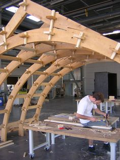 The educational project of the Grands Ateliers is the result of research and experimentation of architecture schools. This is from the Grenoble - Les Grands Ateliers Timber Structure, Building Structure, Building A Shed, Building Design, Timber Architecture, Education Architecture, Timber Frame Cabin, Timber Frames, Roof Trusses