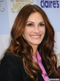 Julia Roberts reveals how to get her famous smile!