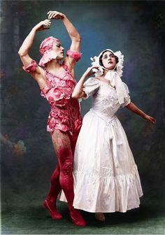 Vaslav Nijinsky and Tamara Karsavina in Le Spectre de la Rose, 1911