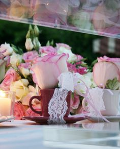 """A """"cup of roses"""" wedding favors"""