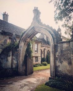 Step into the past with a visit to Lacock, Wiltshire | Ladies What Travel