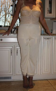 Suspender Bumps, Lingerie, Formal Dresses, Womens Fashion, Bodice, Nice Asses, Formal Gowns, Women's Fashion, Lingerie Set