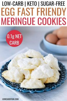 Looking for a snack to enjoy while on an Egg Fast? These stevia keto meringue cookies have about zero carbs so they are the perfect sugar free meringue cookies for a keto diet. Meringue Cookies, Keto Cookies, Meringue Food, Meringue Desserts, Chocolate Meringue, Meringue Kisses, Italian Meringue, Swiss Meringue, Keto Friendly Desserts