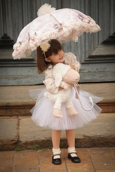 40 Ideas For Baby Outfits Vintage Flower Girls Cute Little Baby Girl, Little Girl Photos, Cute Little Girl Dresses, Cute Babies Photography, Children Photography, Precious Children, Beautiful Children, Baby Pictures, Baby Photos