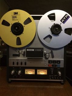 TEAC A6300 10.5  REEL TO REEL / AUTOMATIC REVERSE