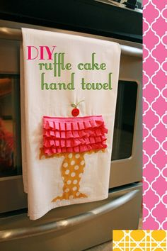 Nothing says 'you're appreciated' like homemade gifts. Check out this towel craft tutorial, perfect if you're looking for homemade Mothers Day gifts. Homemade Mothers Day Gifts, Bff Gifts, Homemade Gifts, Cute Gifts, Do It Yourself Crafts, Crafts For Kids To Make, Dish Towel Crafts, Necklace With Kids Names, Sewing Crafts