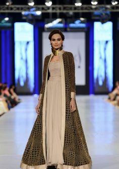 """THE WORKING W"" by Adnan Pardesy @ PFDC Sunsilk Fashion Week 2013"