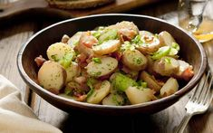 Potato salad recipes that will please a crowd Best Vegetables To Eat, Healthy Vegetables, Veggies, Salad Recipes, Diet Recipes, Healthy Recipes, Cooker Recipes, Chicken Recipes, Healthy Foods To Eat
