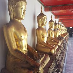 Bangkok should be called the city of gold...and heat...because it is hot hot hot here  . . . . . . #nofilter #noedit #light #photo #instaphoto #photograph #pictureperfect #gold #buddha #honor #sacred #travel #instatravel #wander #wanderlust #travelblogger #itinerary #bangkok #asia #worldtraveler #aroundtheworld #whattimesisit #jetlag #cantsleep #foodie #blogger #lmbvtravels