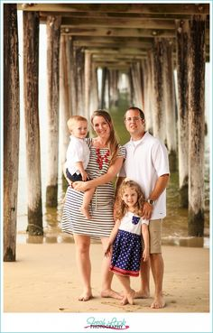 Beach family photos, family photo shoot, on the beach, beach session, at the… fresh look photography Beach Sessions, Family Photo Sessions, Family Posing, Family Portraits, Sister Beach Pictures, Family Beach Pictures, Beach Photos, Family Pics, Photos Bff