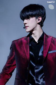 Sehun sexy attire, he looks like a vampire~not complaining tho cr. Kai Exo, Sehun Cute, Chanyeol Baekhyun, Exo K, 2ne1, Got7, Rapper, Ko Ko Bop, Culture Pop