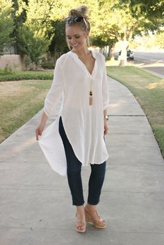 Lemonade Stand Tunic Leah B. Over 50 Womens Fashion, 50 Fashion, Fashion Over 40, Look Fashion, Fashion Outfits, Fashion Trends, Classy Outfits, Cute Outfits, Fashion Marketing