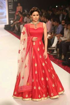 This gorgeous, red and gold indian gown is now mine ♡