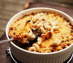 Makaronilaatikko - 'Macaroni casserole' (macaroni, mince beef, white sauce) - the ultimate comfort food Mince Recipes, Crockpot Recipes, Cooking Recipes, Finland Food, Food From Different Countries, My Favorite Food, Favorite Recipes, Macaroni Casserole, Nordic Recipe