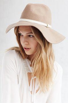 Belted Floppy Panama Hat