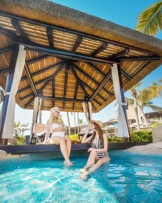 Grab your friends and spend the sunny days by the pool at Sofitel Dubai The Palm this summer under a Cape Reed thatched cabana! #ExclusiveLiving #Naturally Palm Resort, Resort Spa, Sofitel Hotel, Timber Pergola, Pressure Treated Timber, Beach Cabana, Palm Jumeirah, Thatched Roof, Concrete Jungle
