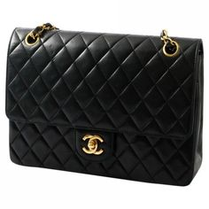 Timeless leather handbag CHANEL ❤ liked on Polyvore featuring bags, handbags, chanel purse, coin purse, hand bags, leather hand bags and real leather purses