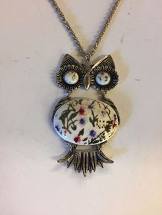 Vintage Silvertone Ceramic Articulated Owl Pendant Necklace Floral Fun 70's WOW #Unbranded #Pendant