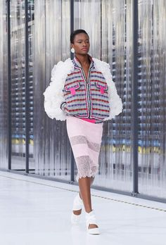 Ready-to-wear - Spring-Summer 2017 - Look 14 - CHANEL