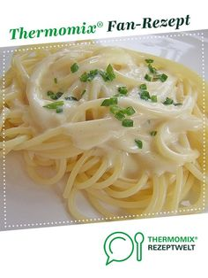 Käsesoße ganz schnell und sehr lecker Cheese sauce very quickly and very tasty from A Thermomix ® recipe from the Sauces / Dips / Spreads category www.de, the Thermomix ® Sauce Recipes, Pasta Recipes, Best Pasta Dishes, Potato Pasta, Spaghetti Recipes, Sausage Spaghetti, Spaghetti Sauce, Homemade Baby Foods, Big Mac