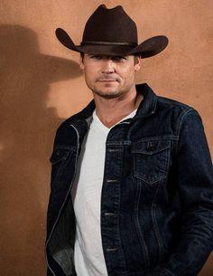 Cowboy Up, Cowboy Hats, Longmire Tv Series, Walt Longmire, Bailey Chase, Cowboys Men, Real Cowboys, Hot Country Men, Hot Guys Eye Candy