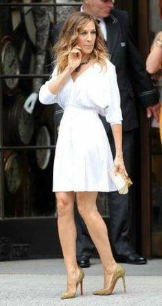 Vestido corto en blanco favorecedor