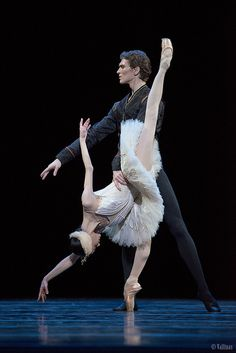 Swan Lake: Lucía Lacarra and Marlon Dino