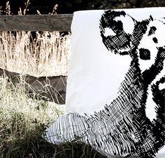 SOLRÖK Funda nórdica 240x220 cm y 2 fundas de almohada 50x60 cm (También disponible para cama individual).