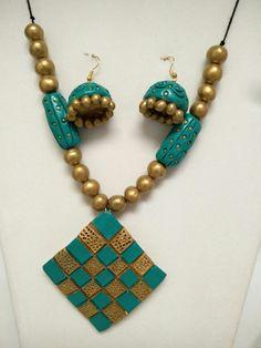 Terracotta Jewellery Online, Terracotta Jewellery Designs, Terracota Jewellery, Funky Jewelry, Jewelry Model, Fabric Jewelry, Handmade Jewelry, Polymer Clay Pendant, Polymer Clay Jewelry