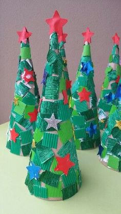 Latest Absolutely Free preschool crafts christmas Tips This page has SO MANY Kids crafts that happen to be ideal for Toddler as well as Youngsters. I believed it was occasio Kids Crafts, Preschool Christmas Crafts, Christmas Crafts For Adults, Thanksgiving Crafts For Kids, Christmas Tree Crafts, Christmas Activities, Christmas Projects, Holiday Crafts, Kids Christmas