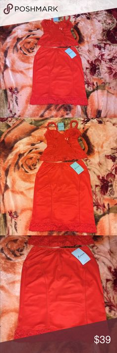 New guess marciano set red lace dress size small New guess marciano dress set in bright red size small. Lace style set. Tight fitting midi style. Check out my other items. Selling same item on other sites for same price so get it fast before its gone. ❤️ Guess by Marciano Dresses Midi