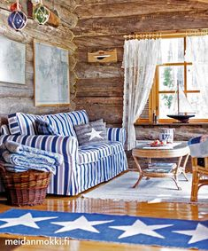 Ideas and inspiration White Houses, Blue And White, Rustic Cabins, Scandinavian Interiors, Beautiful, Home, Decor, Inspiration, Ideas