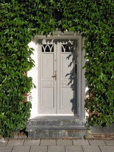 Ivy framed greige door
