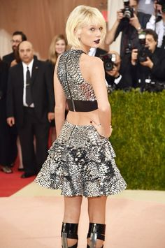 361 best taylor swift images on pinterest taylor swift taylors taylor swift went metallic for the 2016 metgala google search m4hsunfo