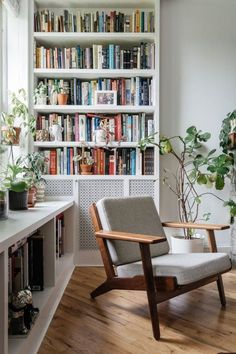 Home Design and Decoration Ideas For Reading Nook Home Library Design, House Design, Library Ideas, Home Library Decor, Living Room Decor, Living Spaces, Bookshelf Living Room, Apartment Bookshelves, Modern Bookshelf
