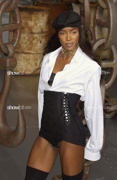 Naomi Campbell at Dolce & Gabbana SS/2003