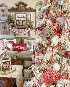 Merry Christmas, Flocked Christmas Trees, Country Christmas, Xmas Tree, White Christmas, Christmas Holidays, Christmas Ideas, Holiday Ideas, Christmas Tree Decorations