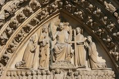 Tympanum - Christ in Majesty with an emphasis on his sacrifice for humanity -Notre Dame Cathedral, Paris: Portal of the Last Judgment (c.1230)
