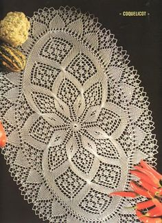 serwety na druty - 05 Chemin de table coquelicot - Françoise B - Picasa Web Albümleri Crochet Patterns Filet, Crochet Table Runner Pattern, Crochet Tablecloth, Filet Crochet, Crochet Motif, Knitting Patterns, Oval Tablecloth, Thread Crochet, Lace Knitting