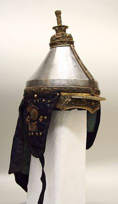 Armor -Date: Century -Culture: Chinese -Medium: Steel, copper alloy, textile, metallic thread. -Classification: Armor for Men ~I think the textile design found on this armor is very interesting and adds a story to the armor. Helmet Armor, Arm Armor, Body Armor, Medieval Knight, Medieval Armor, Chinese Armor, Ancient Armor, Vintage Helmet, Man Of War