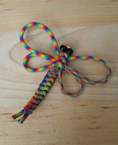 Dragonfly MAGNET or Ornament Custom made from your choice of Paracord colors! Paracord Keychain, Paracord Bracelets, Survival Bracelets, Bracelet Knots, Bracelet Making, Parachute Cord Crafts, Paracord Projects, Paracord Ideas, Paracord Weaves